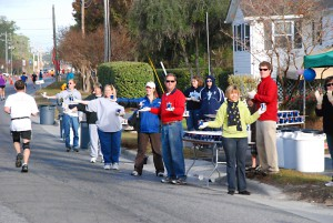 Surf or Sound Realty Volunteers at the 2010 Outer Banks Marathon