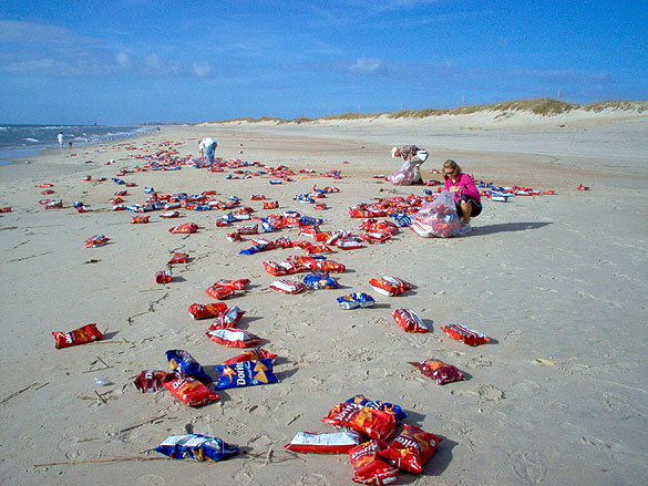 As Fall Roaches On The Outer Banks And Offs Swells Pile Buckets Of Flotsam Jetsam Onto S Hatteras Island Becomes A Beachcomber